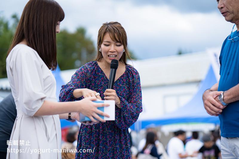 ヨーグルトサミットに参加していただいている向井智香さんの姿
